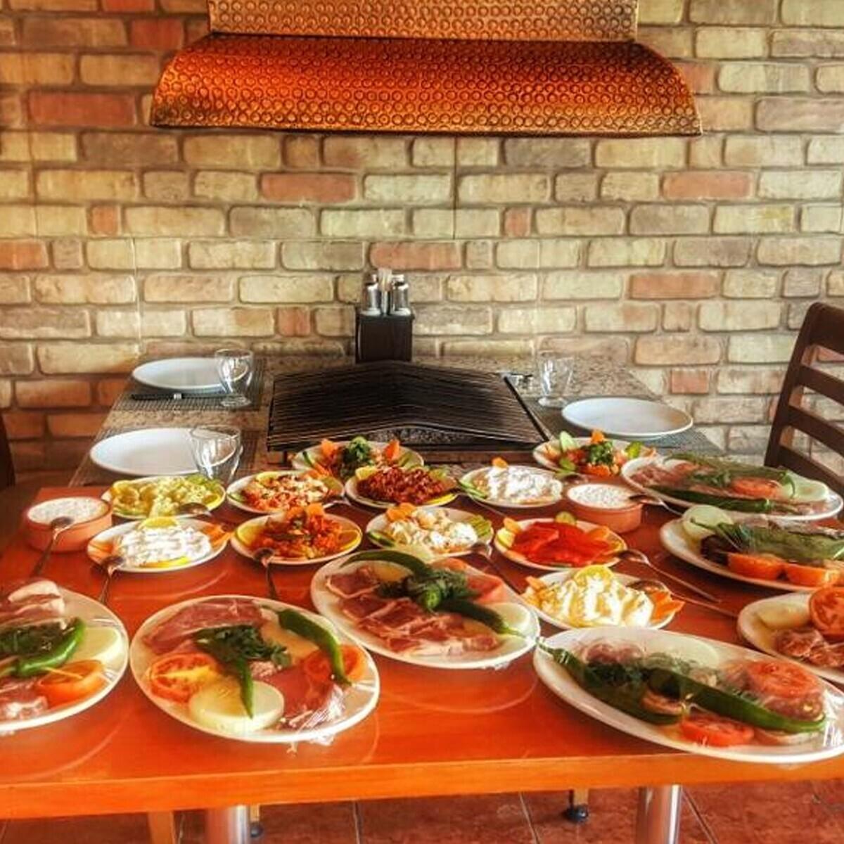 Hanedan Mangalbaşı Restaurant'tan Nefis Karışık Izgara Menüsü