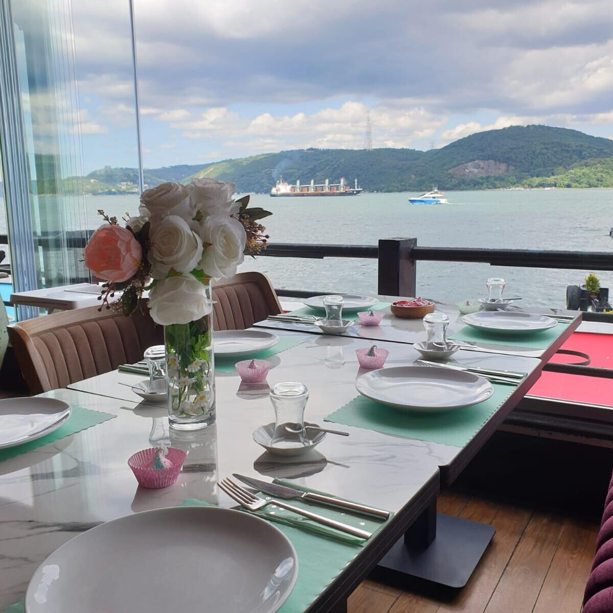 Göze Sarıyer Teras'tan Denize Nazır Çift Kişilik Serpme Kahvaltı
