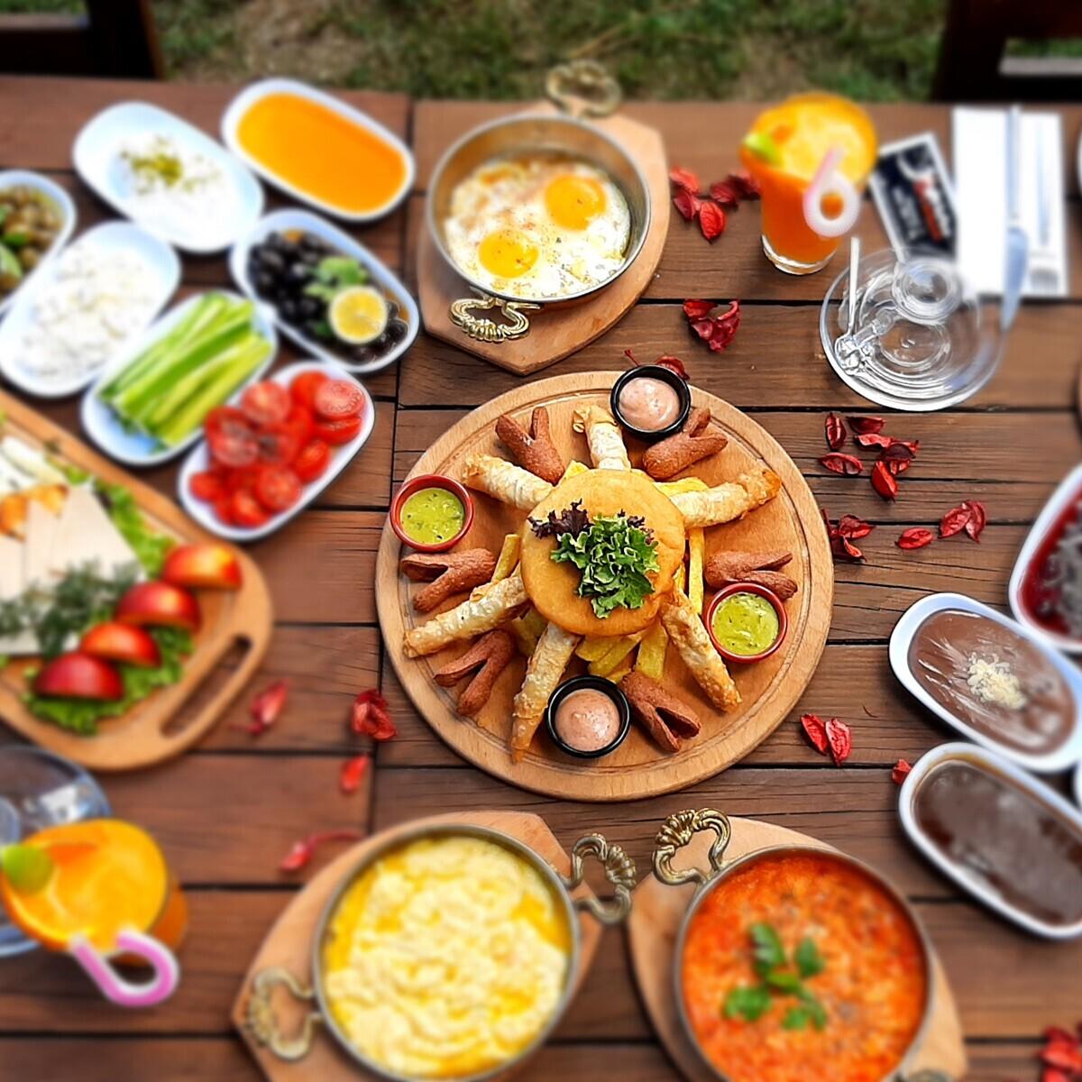 Nefess Cafe'de Doğayla Baş Başa Kahvaltı Keyfi