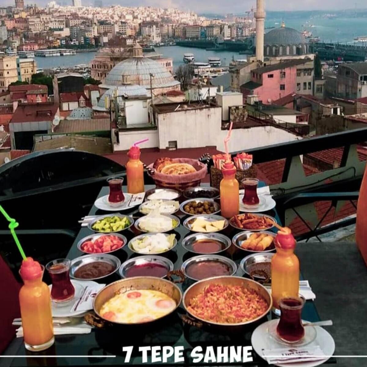 7 Tepe Sahne'den Denize Nazır Leziz Serpme Kahvaltı Menüsü