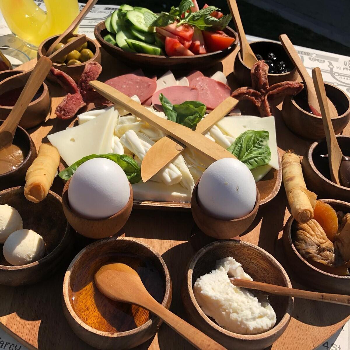 Hollywood City Lounge'dan Nefis Mi Nefis Kahvaltı Seçenekleri
