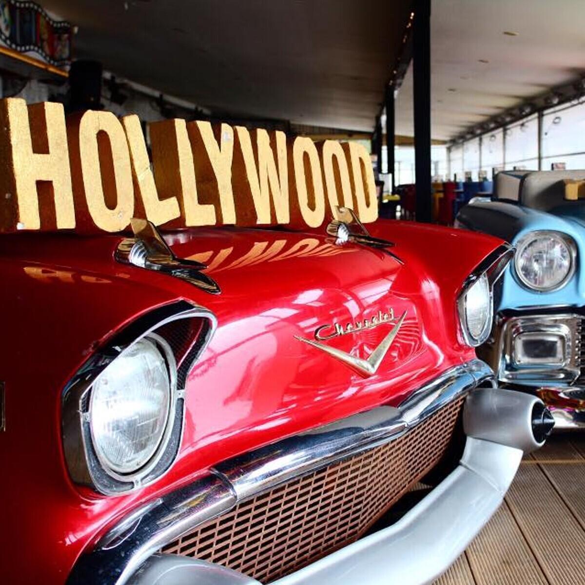 Hollywoodcity'de Kız Kulesi Manzarası Eşliğinde Balık Ziyafeti!