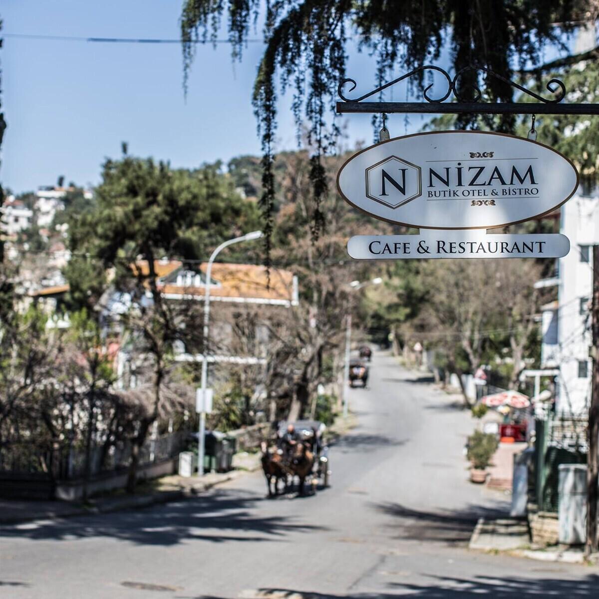 Büyükada Nizam Butik Otel'de Huzur Dolu Çift Kişilik Konaklama