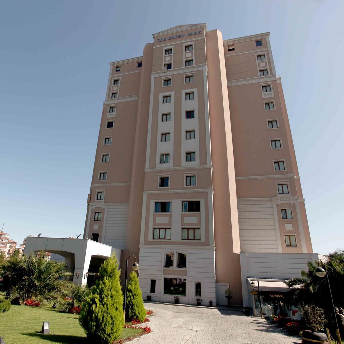 The Green Park Hotel Bostancı'da Muhteşem Havuz Keyfi