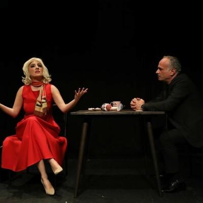 Tuğçe Çakır ve Uluç Esen'den 'Sekreter' Online Tiyatro Oyunu Bileti