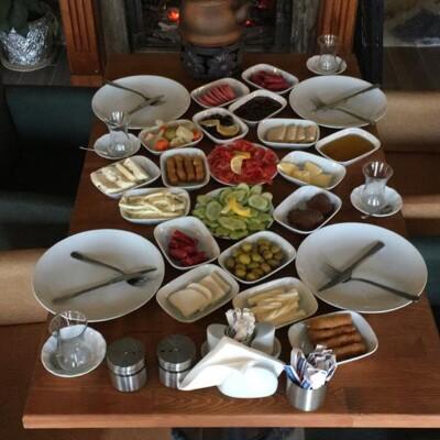 Yeşil Tepe Garden'da Türk Kahvesi Eşliğinde Kahvaltı Menüleri