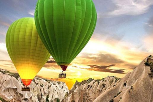 Suhan Cappadocia Hotel'den Balon ve Bölge Turu, Ihlara Vadisi Turu ve Türk Gecesi Programını da Kapsayan Kişi Başı Yarım Pansiyon Konaklama Paketleri