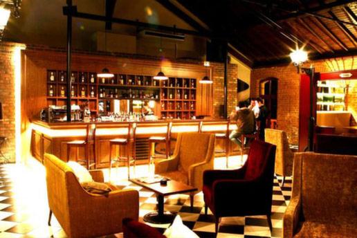 Ortadoğu'nun En İyi Klasik Butik Oteli Seçilen Montania Special Class Hotel'den Deniz veya Şehir Manzaralı Odalarda 1 ve 2 Kişi Seçenekli Konaklama