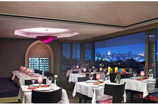 Muhteşem İstanbul Manzarasına Nazır Olive Restaurant'ta Canlı Müzik Eşliğinde Yerli İçecekli Enfes Akşam Yemeği