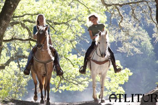 Ata Binme Keyfini Herkes Doyasıya Yaşasın! Atlıtur'un Her İki Şubesinde De Geçerli Doğada 15 Dakika Atlı Gezinti ve Kahvaltı Keyfi