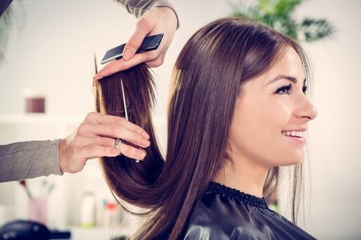 Alsancak Kuaför Ali'den Protez Tırnak, Saç Bakımı, İpek Kirpik, Gelin Saçı & Makyaj ve Boya & Kesim & Fön Uygulamaları