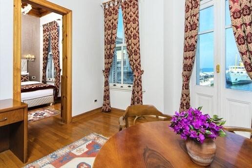 Büyükada Mom Hotel'de Konfor Dolu Kahvaltı Dahil Çift Kişilik Konaklama