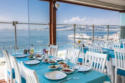 Büyükada Comfort Hotel Palya Restaurat'ta Her Cuma ve Cumartesi Günleri Geçerli Canlı Müzik Dahil Kişi Başı Fix Menü