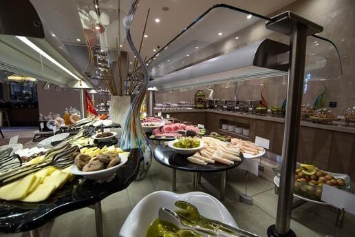 Clarion Hotel Golden Horn'da Kahvaltı Dahil Çift Kişilik Konaklama Seçenekleri