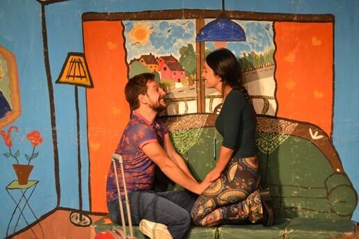 'Aşk Bir Şey Değildir' Tiyatro Oyunu Bileti