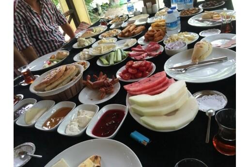 Avcılar Çoban Çiftliği'nden Leziz Serpme Kahvaltı