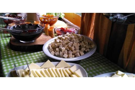 Village Park Resort'ün Yeşil Atmosferinde Her Pazar Açık Büfe Kahvaltı