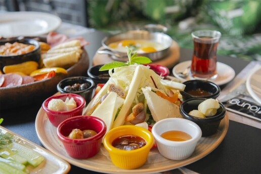 Raff Lounge'dan Tadı Damağınızda Kalacak Limitsiz Çay Dahil Serpme Kahvaltı Menüsü