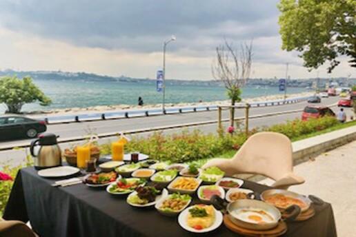 Salacak Yeşilçam Cafe & Bistro'dan Muhteşem Manzaraya Nazır Kişi Başı Leziz Kahvaltı Menüsü