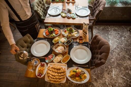 Ziverbey Restaurant'tan Lezzet Dolu Serpme Kahvaltı veya Pazar Gününe Özel Brunch Keyfi