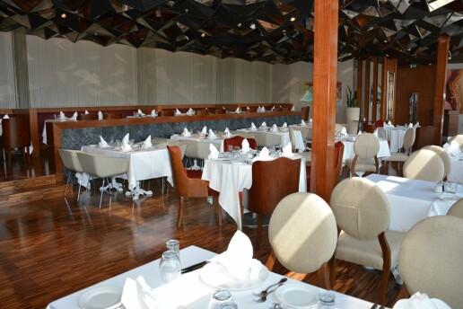 Sheraton İstanbul Ataköy Hotel'de Limitsiz İçki Dahil Canlı Müzik Eşliğinde Yemek Menüleri
