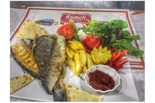 Rumeli Garden'da Deniz Manzarasına Karşı Enfes Balık Menüleri