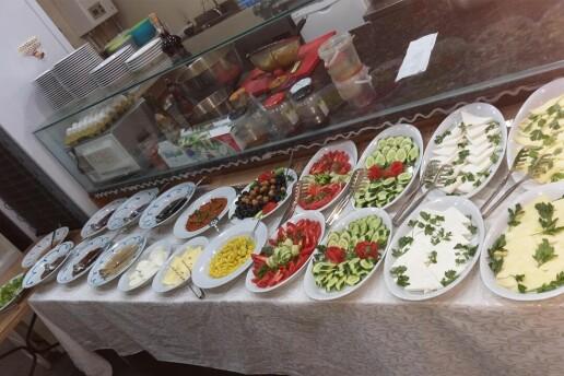 Çankaya Engelsiz Dünya Cafe'de 26 Çeşit Enfes Serpme Kahvaltı