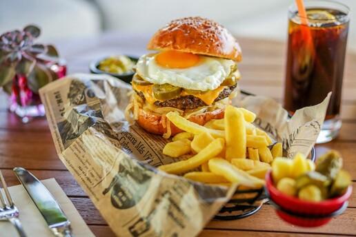 Cvk Hotel Taksim İçindeki Ashiya Restorant'ta Tadına Doyulmaz Hamburger Menüleri