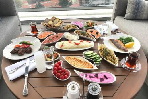 Cvk Hotel Taksim'de Hafta İçi Özel Çilingir Sofrası Menüsü