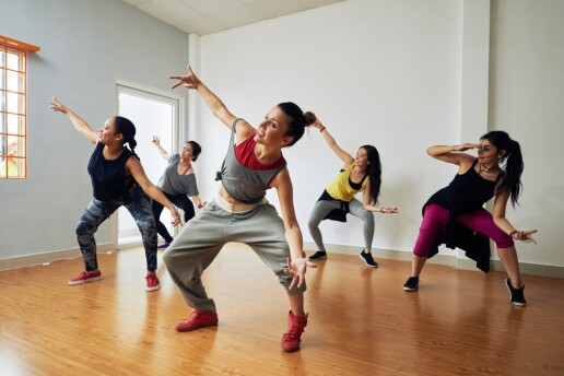 Pera Akademi Stüdyo'dan 1 Aylık Salsa, Bachata, Hip-Hop, Kizomba Kursu