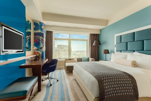 Güneşli Wyndham Grand İstanbul Europe Hotel'de Delux Odada 2 Kişilik Konaklama, Açık Büfe Kahvaltı ve SPA Kullanımı Seçenekleri