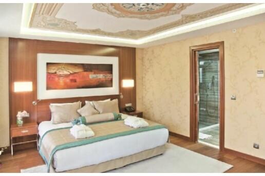 5 Yıldızlı Merter Hurry Inn Istanbul Hotel'de Suzan KARDEŞ, Fuat PAŞA ve Muhteşem Lezzetler Eşliğinde Yılbaşı Galası + Konaklama Paketi