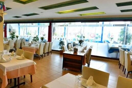 Yeşilköy Yalıer Balık Restaurant'ta Limitsiz Alkollü & Fasıllı Yılbaşı Eğlencesi