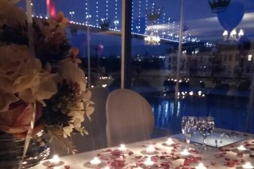 Muhteşem Boğazın Yanında Yer Alan Princess Hotel Ortaköy'de Romantik Bir Atmosferde İki Kişilik 'Evlilik Teklifi Programlı' Akşam Yemeği
