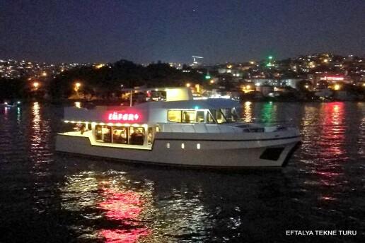 Eftalya Tekne Turu Vip Yatları İle Boğazda Sürpriz Evlilik Teklifi Organizasyonları