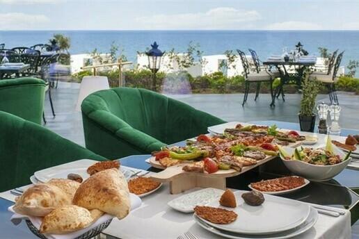 Kıbrıs Kaya Palazzo Resort Hotel'de Erken Rezervasyon Yaz Tatili Paketleri
