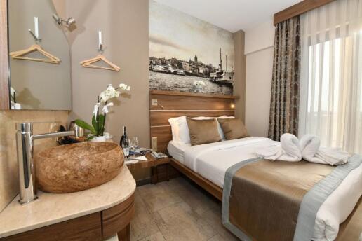 The Pera Hotel Taksim'de Çift Kişilik Konaklama Seçenekleri