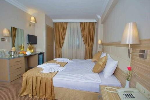 Grand Emin Hotel'de Konfor Dolu Çift Kişilik Konaklama