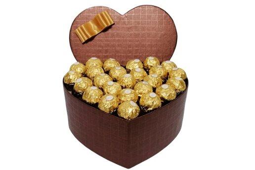 Tasarım Kalp Kutuda Enfes Çikolatalar 2