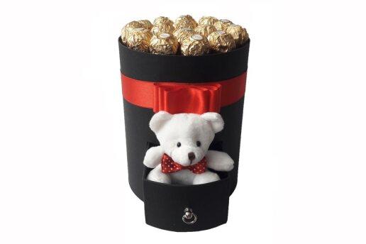 Tasarım Kutuda Enfes Çikolatalar Ve Sevimli Ayıcık