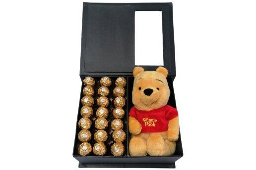 Tasarım Kutuda Enfes Çikolatalar Ve Winnie The Pooh