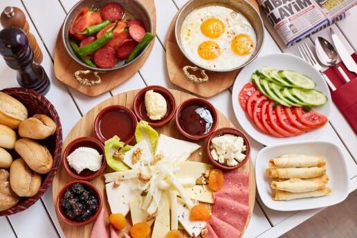 Avcılar Respiro Boutique Hotel'de Tadına Doyacamayacağınız Serpme Kahvaltı Keyfi