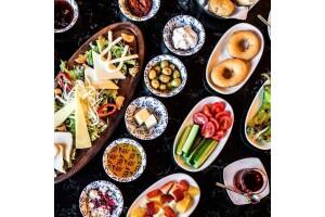 Woow Lounge Cafe'de Enfes Serpme Kahvaltı