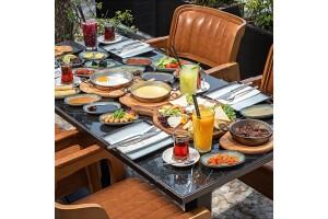 Marina Lounge'da Boğaz Manzaralı Serpme Kahvaltı Keyfi
