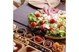 The Shaula'da Çift Kişilik Serpme Kahvaltı