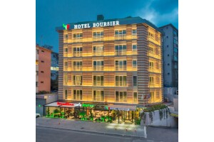 Boursier Hotel'de 2 Kişi 1 Gece Açık Büfe Kahvaltı Dahil Konaklama