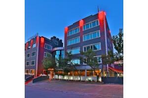 Maltepe Şanlı Suite Hotel'de Kahvaltı Dahil Konaklama Seçenekleri