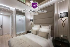 Sirkeci Le Petit Palace Hotel'in Ekonomi ve Deluxe Odalarında 2 Kişi 1 Gece Konaklama ve Masaj & Spa Keyfi