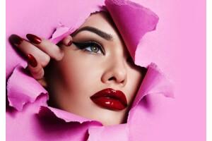 Bağdat Caddesi Eren Eymen Kuaför'de Porselen Makyaj Güzellik Paketi