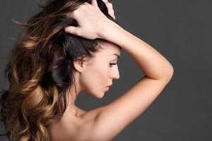 Bağdat Caddesi Eren Eymen Kuaför'den Saçlarınız İçin Ombre veya Röfle Uygulaması